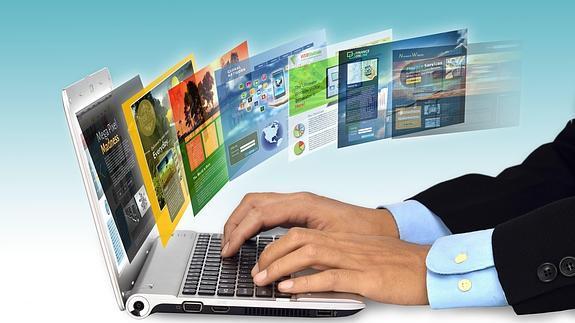 persona usando una laptop