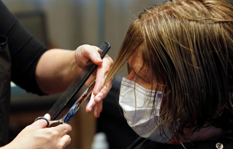 Tratamientos como el corte de cabello en la nueva normalidad