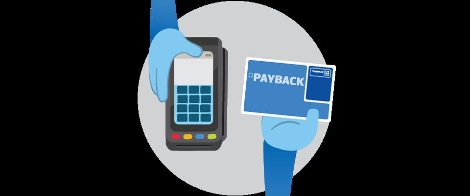 mano pagando con una tarjeta de puntos payback